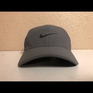 Nike hat grey